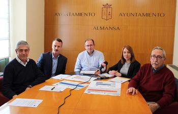 El Ayuntamiento presenta un nuevo servicio de «sensibilización, crecimiento y consolidación de empresas en Almansa»